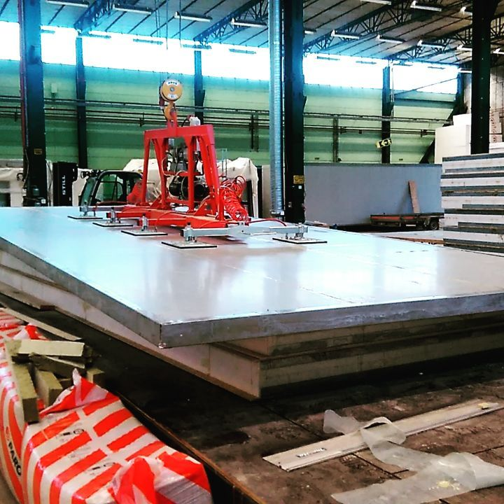 100 mm sandwich panel 3.2×7.8 meters with 1 cm flex, not bad