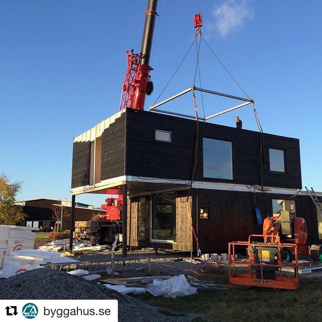 @byggahus.se ・・・ Marc och Therese bygger energi- och kostadseffektivt hus i frigolit, en byggmetod som är vanlig i USA. Läs om bygget på Byggahus.se